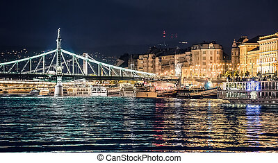 The Liberty Bridge at night in Budapest - majestic view on...