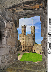 Carnarfon Castle view, North Wales - Mighty Caernarfon is...