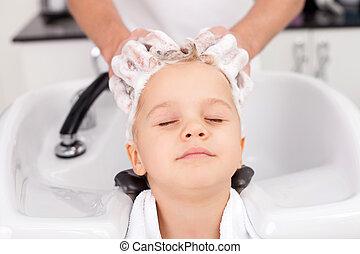 tratando, cabeleireiras, experimentado, jovem, cabelo,...