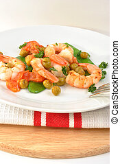 shrimps with mangetout pea and tomato