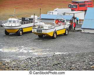 amphibian vehicle - amphibious vehicles seen in Iceland