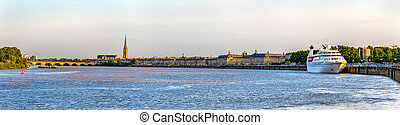 View of Bordeaux city with the river Garonne - Aquitaine,...