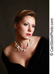 Beautiful woman - Portrait of the beautiful woman in a pearl...