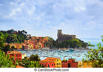 Lerici, harbor and village. Cinque terre, Ligury Italy -...