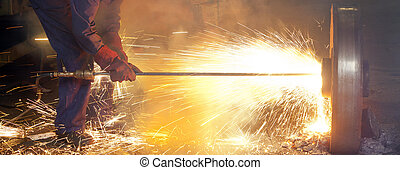 Thermic Lance is melting steel