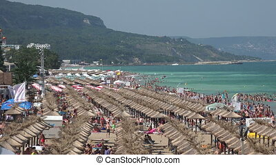 Golden Sands beach in Bulgaria. Zlatni Piasci. - Golden...