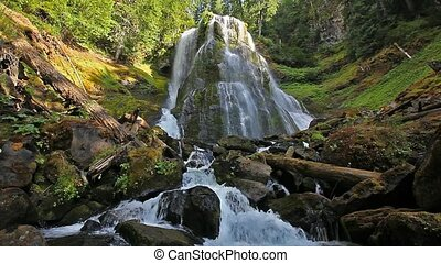 HD Movie of Falls Creek Falls in WA - High Definition Movie...