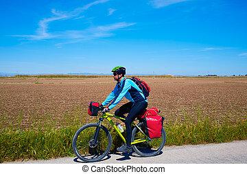 MTB, Biker, bicicleta, Viajar, con, cesto, estantes,