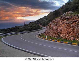 montanha, estrada, pôr do sol