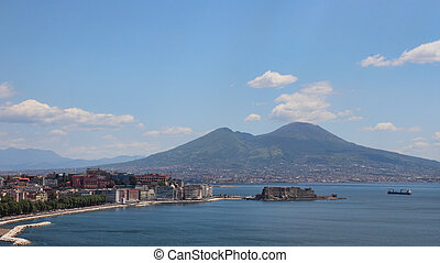 Naples gulf - overview of Naples bay with Mount Vesuvius,...
