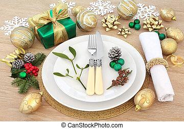 Christmas Dinner Setting - Christmas dinner place setting...