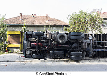 Overturned truck - An accident with an overturned truck in...