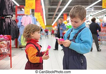 crianças, supermercado