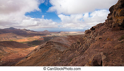 Inland Fuerteventura, view west from Montana de Ecanfraga