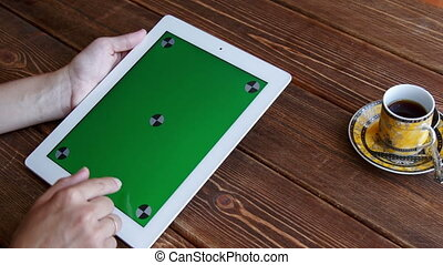 Using tablet pc touchscreen - Using tablet pc with green...