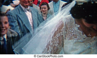 1942: Newlyweds escaping the crowds - Original vintage 8mm...
