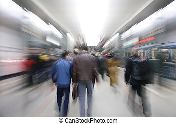 Zooming passengers in subway