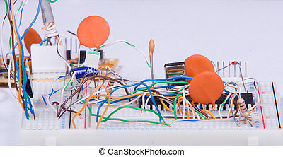 Electronic prototyping - Electronic experimentation circuit...