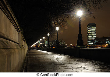 Bank of River Thames - The walkway on the south bank of the...