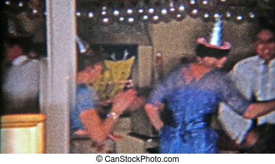 1953: New Year's Eve dancing party - Original vintage 8mm...