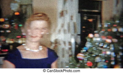 1953: Mom and daughter in front of - Original vintage 8mm...