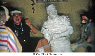1956: Mummy halloween costume and - Original vintage 8mm...