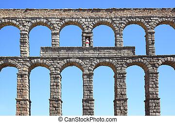 Roman aqueduct - Ancient Roman aqueduct in Segovia, Spain