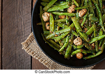 Green beans and chicken meatballs - Green beans fried with...