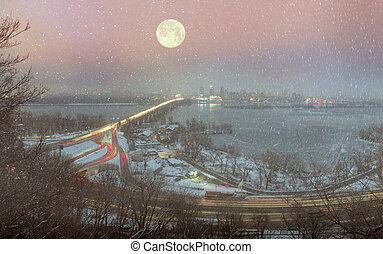 Night Bridge Paton - Kiev, Ukraine-January 20, 2015: View a...