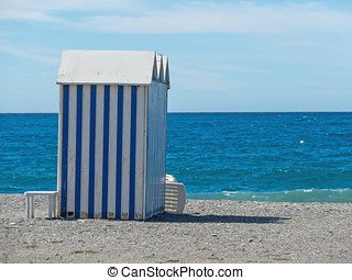 Beach hut - Wooden beach hut àinted in white and blue...