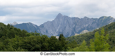 Apuane Alps, general panorama of the mountains. Lunigiana,...