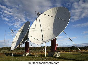 satellite dishes - Huge white satellite dishes