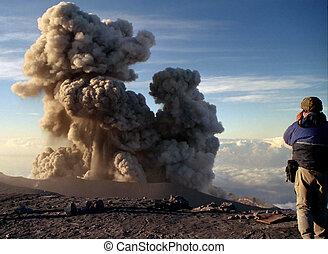 Volcano Semeru Eruption - Volcano Semeru nin Java, Indonesia