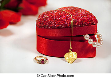 beautiful gifts for valentine\'s