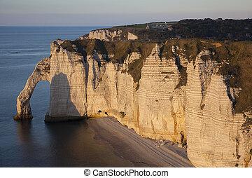 Aval cliff, Etretat, Cote d'Albatre, Pays de Caux,...