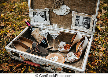Case with wedding accessorize - Vintage big suitcase with...