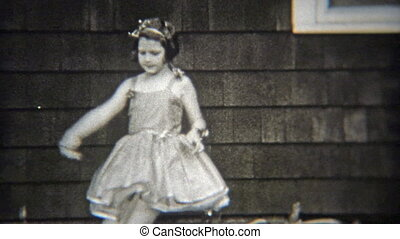 1936: Confident ballet girl solo - Original vintage 8mm film...