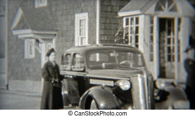 1937: Wealthy suburban women - Original vintage 8mm film...