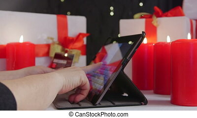 Christmas shopping: order gifts and pay by credit card in...