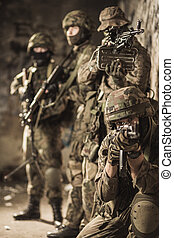 fullständigt, män, utstyrt med, militär