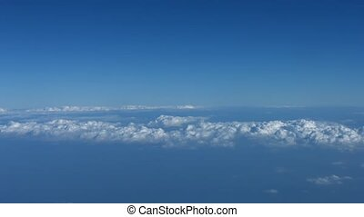 Airborne Shot of a Cloud Layer over Open Ocean - video...