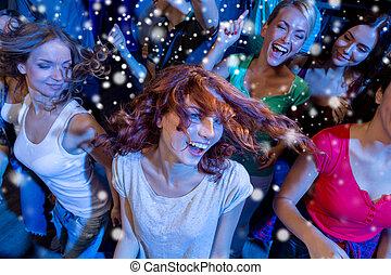 Club, sonriente, amigos, bailando