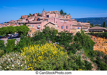 Roussillon, Red village of Provence Picturesque pit of...