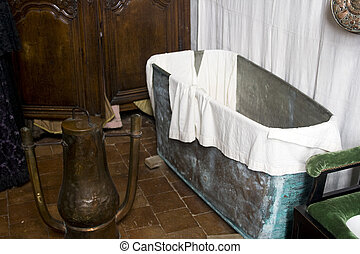 17th century bathroom - Bathroom from the 17th century in...