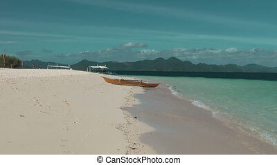 Traditional Philippines boat at tropical island - Banana...