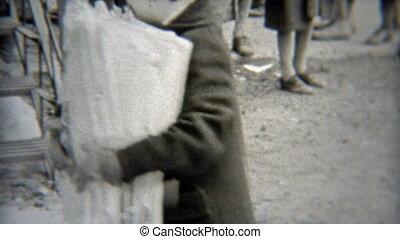 1938: Paperboy depot center