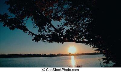 Sunrise at the lake HD
