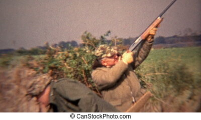 1973: Happy hunter simulating the - Original vintage 8mm...
