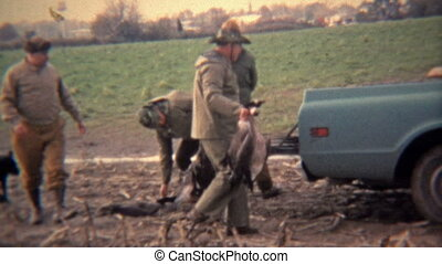 1973: Geese hunters loading up the - Original vintage 8mm...