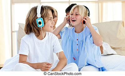 子供, 音楽, うれしい, 聞くこと, 楽しみ, 持つこと